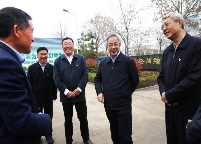 Hu Chunhua zu Besuch bei Yifa